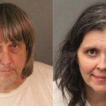 Arrestan a unos padres californianos por secuestrar y torturar a sus 13 hijos