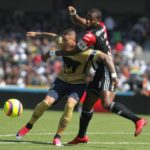 El chileno Nicolás Castillo anota dos goles y Pumas salta al primer lugar