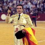 El diestro español Enrique Ponce gana trofeo de la Feria de Cali