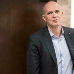 El editor italiano Feltrinelli aboga por leer como acción revolucionaria