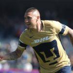 Los Pumas con goles del chileno Nico Castillo saltan al primer lugar