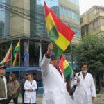 Los médicos vuelven al trabajo pero la sanidad sigue afectada en Bolivia