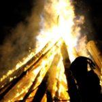 Hallan culpables a 97 personas por crímenes vinculados a la brujería en Papúa
