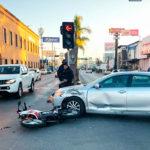 Choca motociclista en la de 20