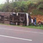Al menos 27 muertos y 16 heridos en un accidente de autobús en Indonesia