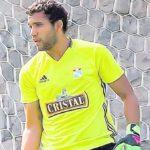 El portero Carlos Grados, novedad en lista de Cristal para visitar a Lanús