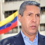 Precandidato opositor venezolano evalúa su inscripción para presidenciales