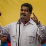 """Maduro dice que está preparado ante """"amenaza"""" de """"embargo petrolero"""""""