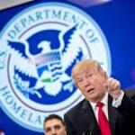 """Trump dice que quiere """"un muro real, no uno pequeño"""" en frontera con México"""