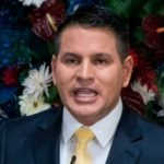 Pastor dimite a diputado para dedicarse a campaña presidencial en Costa Rica