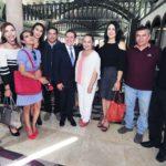 Entregan periodistas a Aispuro su propuesta de Ley