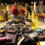 Asociación del Rifle demanda a Florida por ley que restringe venta de armas