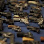 Desarticulan una red de tráfico de armas en una cárcel de Bolivia