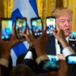 Trump avala presupuesto y dice a Congreso que no volverá a firmar una ley así