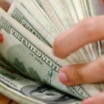 """Casas de cambio venden dólar a 19.69 pesos en aeropuerto """"Benito Juárez"""""""