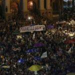 Miles de personas piden justicia en Brasil por concejal asesinada en Río
