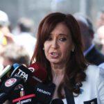 Unen en Argentina dos causas de corrupción que afectan a Cristina Fernández