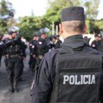 Unos 2.000 policías verifican ley seca por elecciones en capital salvadoreña