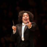 """Dudamel cumple su """"sueño"""" de dirigir la Filarmónica de Viena en México"""