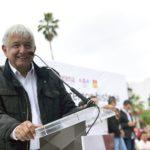 López Obrador promete soluciones a diferendos entre empresas y mineros