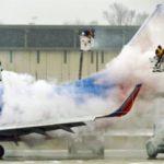 Aterriza de emergencia un avión en Filadelfia tras reventarse motor en vuelo