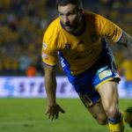 El francés Gignac rescata para los Tigres empate 2-2 ante el Monterrey