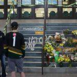 Escuelas de Humboldt reabren tras accidente de tráfico que causó 15 muertes