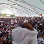 Abuchean a expriista postulada por Morena en Durango; AMLO la defiende