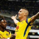 América golea a los Pumas con goles del colombiano Uribe y el francés Ménez