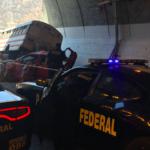 """Un Atos se metió debajo de un autobús al chocarlo por """"alcance"""" en la súper a Mazatlán: 9 lesionados"""