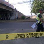 Hallan cadáver de supuesto pandillero colgado de un puente en Honduras