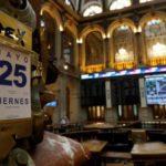 La Bolsa de Milán cae y la prima se dispara por la incertidumbre en Italia