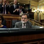 """Rajoy acusa a socialistas de """"chantaje"""" y se dispone a agotar la legislatura"""