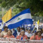 Miles de personas marchan por la democracia en Nicaragua
