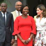 El presidente de Haití recibe a la Reina Letizia durante su visita al país