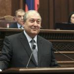 Presidente armenio llama a negociar tras campaña de desobediencia nacional