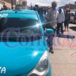 Taxista recibe batazo en el rostro que lo deja grave en el hospital; capturan al responsable
