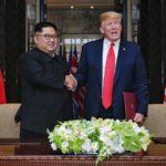 """Trump y Kim firman un documento """"exhaustivo"""" al final de la cumbre"""