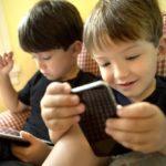 Deben vigilar adultos el uso de  celular por menores: Leila Arreola