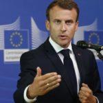 """Macron anuncia que Francia acogerá a """"decenas"""" de inmigrantes del Lifeline"""