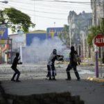 Nicaragua vive violenta jornada, mientras EE.UU. y la UE buscan pacificación