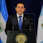 Presidente de Guatemala pide a EEUU corregir política contra niños migrantes