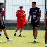 Costa Rica volvió a los entrenamientos para pasar página de la derrota