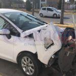 Tres vehículos con fuertes daños en doble accidente matinal en la ciudad