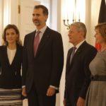 Los Reyes concluyen su viaje con las reuniones de Felipe VI en el Capitolio