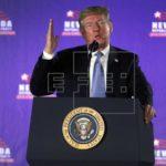 """Trump atiza debate y afirma que sin él """"millones"""" vendrían ilegalmente a EEUU"""