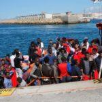 Alemania acogerá 50 de los inmigrantes que esperan frente a costas de Sicilia