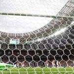 Francia acaricia la Copa del Mundo al ganar 2-1 en la primera mitad