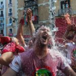 Inician con chupinazo fiestas de San Fermín en Pamplona, España