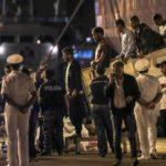 Unos 450 inmigrantes esperan en el mar tras nuevo pulso entre Italia y Malta